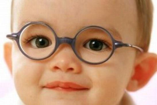۶ ماهگی و ۳ سالگی را برای معاینه چشم فراموش نکنید