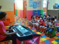 کلاس موسیقی و سرود