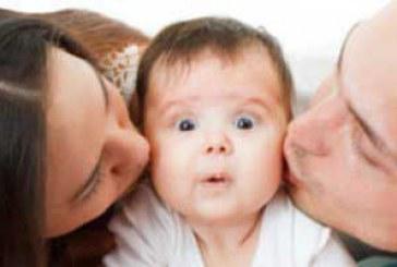 تاثیران مثبت بوسه برای کودک