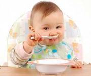 برای غذاها و میانوعدههای کودکتان، برنامه داشته باشید